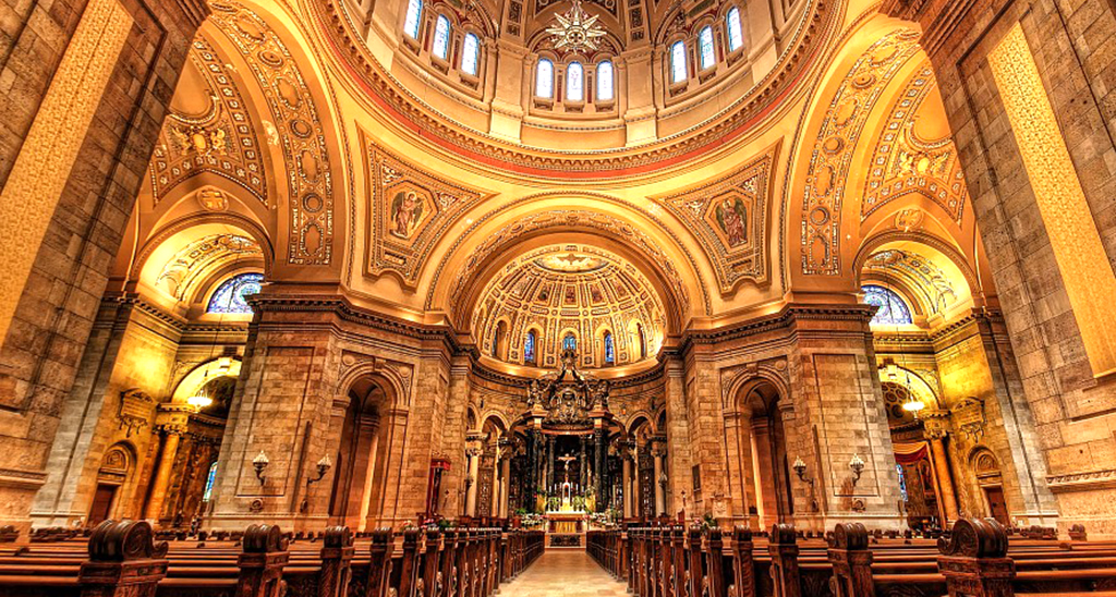 Cathedral-of-Saint-Paul-Visit-Lakeville-Attractions