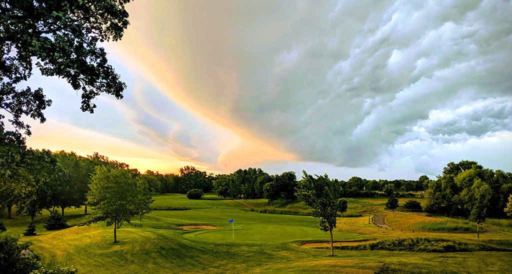 Crystal-Lake-Golf-Course-Visit-Lakeville-Attractions