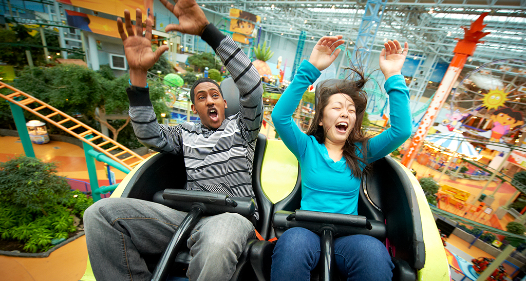 Rollercoaster Ride At Nickelodeon Universe