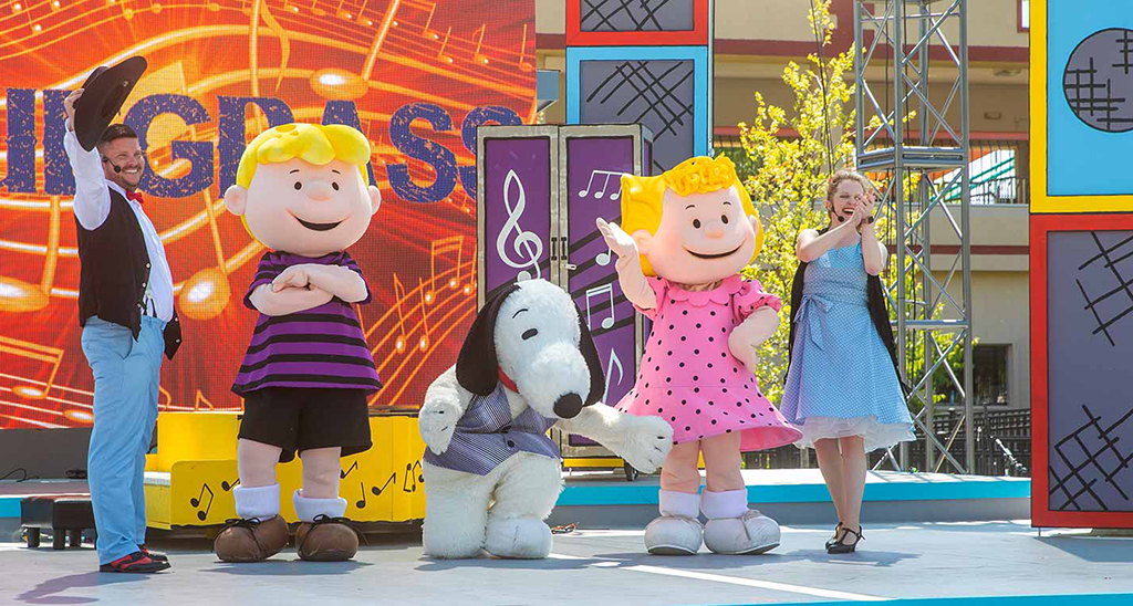 Planet-Snoopy-Visit-Lakeville-Attractions