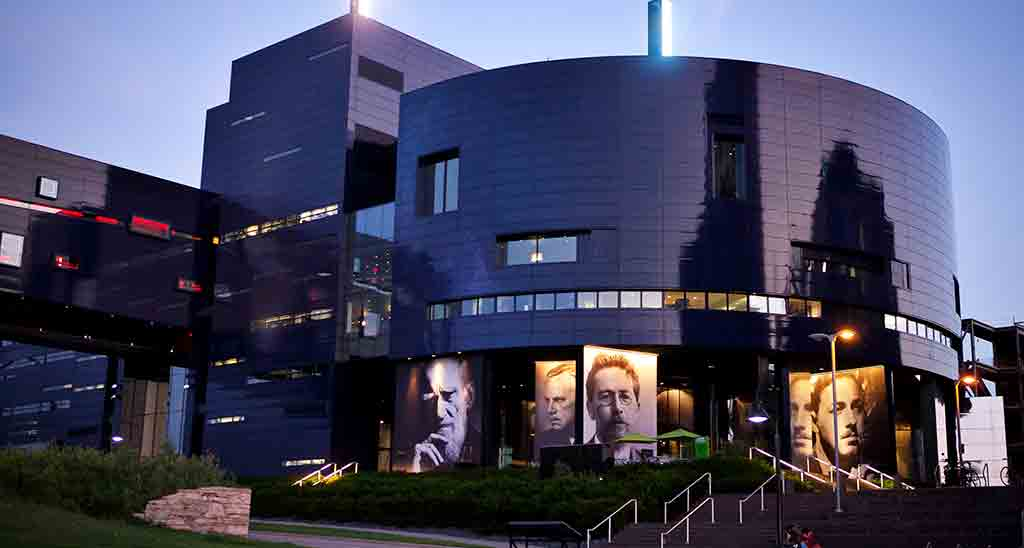 Guthrie-Theater-Visit-Lakeville-Attractions